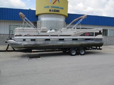 2002 Sun Tracker 27 Party Barge
