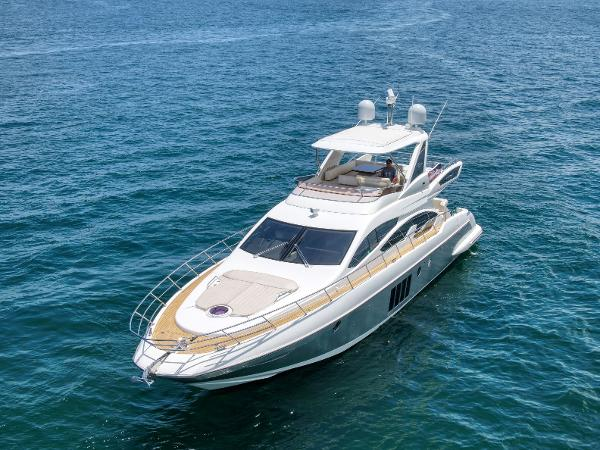 Check out this 2014 AZIMUT 64 Fly on Boattrader com