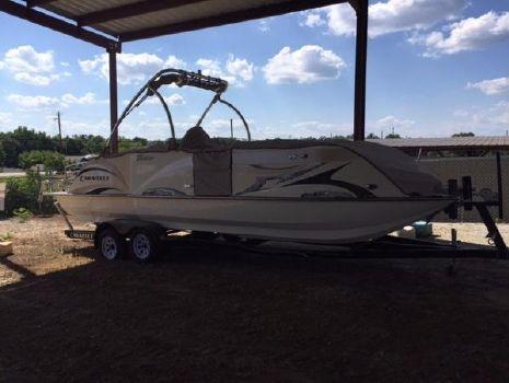 2016 Caravelle Boats 246FSR Razor