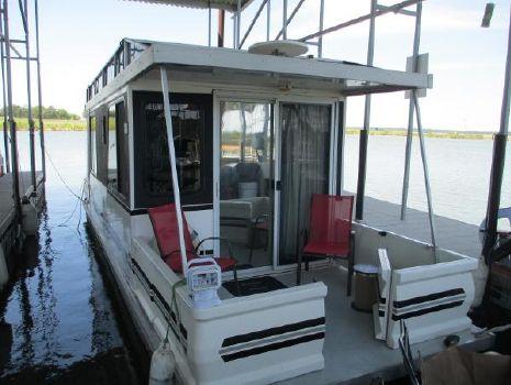 2003 Catamaran Cruisers Lil' Hobo 30' w/Trailer