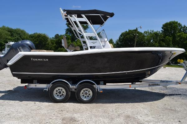 2016 Tidewater Boats 220 LXF Arch