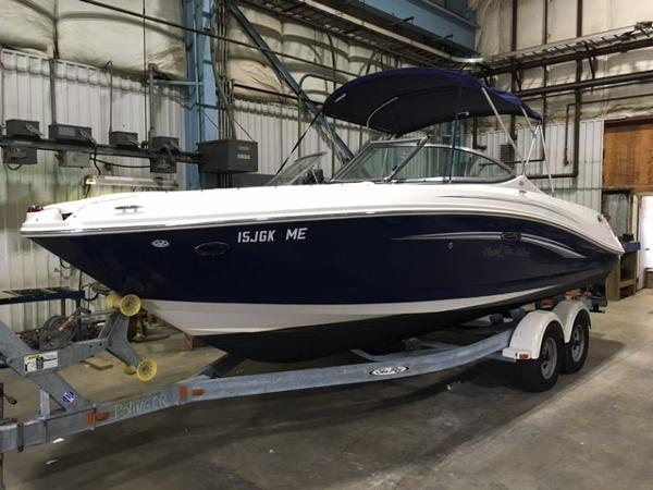 2008 Sea Ray 23' SELECT