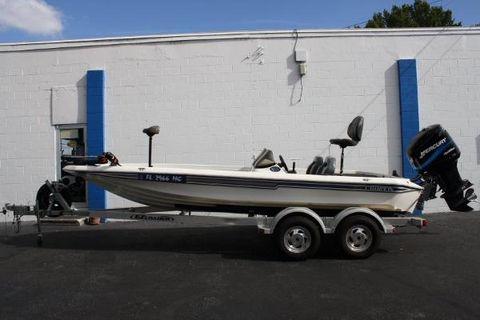 2000 Champion Boats 203
