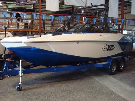 2017 Axis Wake Research A22