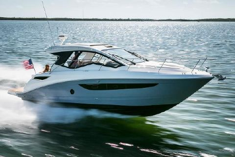 2017 Sea Ray Sundancer 350 Coupe Manufacturer Provided Image