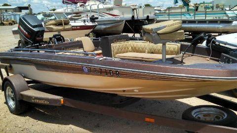 1982 Champion Boats 15 F&S