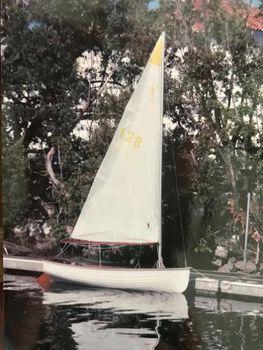 1988 Frostbite Dingy X Class