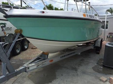 2006 Angler Boats 23 CC Angler 23 CC