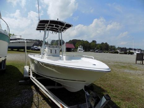 2006 Carolina Skiff Bay Runner 220