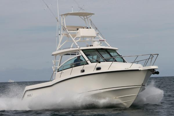 2015 Boston Whaler 345 Conquest Manufacturer Provided Image