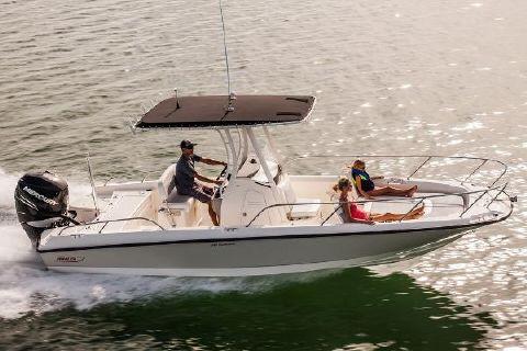 2016 Boston Whaler 240 Dauntless