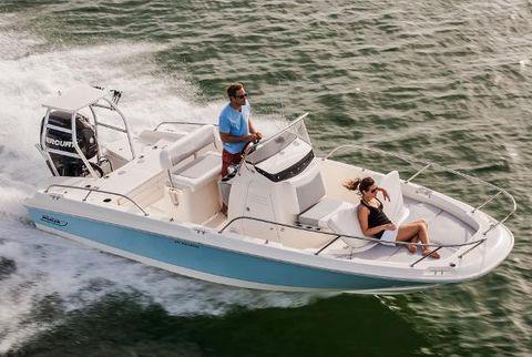2016 Boston Whaler 210 Dauntless Manufacturer Provided Image