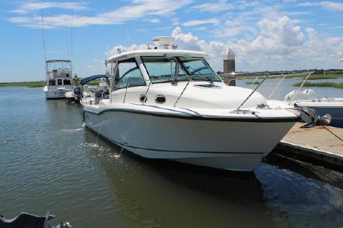 2018 Boston Whaler 315 Conquest