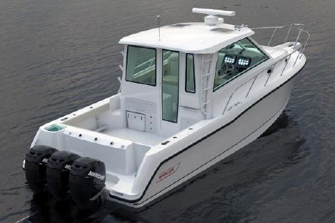 2015 Boston Whaler 345 Conquest Pilothouse