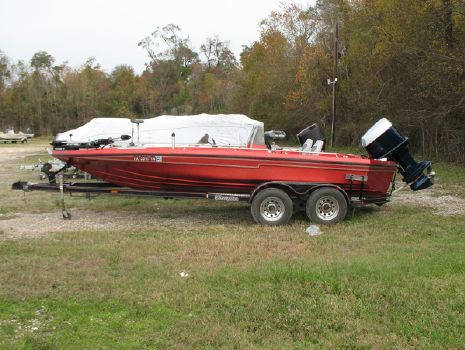 1987 Champion Boats 20
