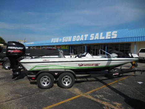 2016 Phoenix Boats 819 Pro