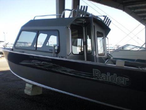 2018 Raider Pro Fisherman 220