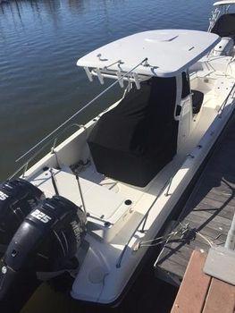 2014 Boston Whaler 270 Dauntless