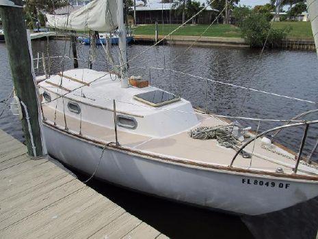 1979 Cape Dory 27