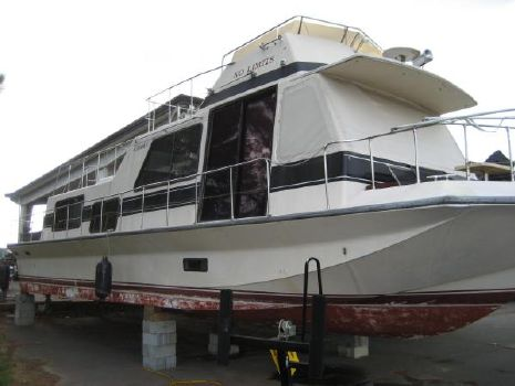 1988 Holiday Mansion 48' x 14' Flybridge Houseboat