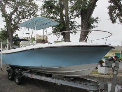 1985 Wellcraft 20 Fisherman center console