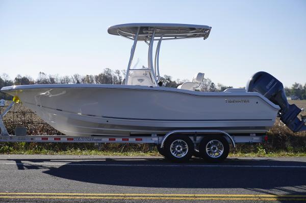 2017 Tidewater Boats 210 LXF
