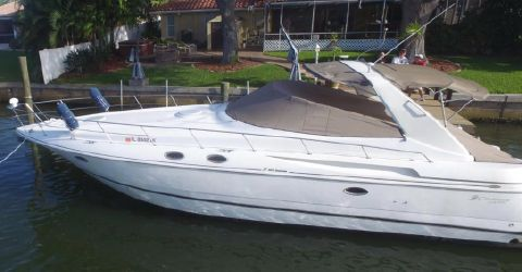 2000 Cruisers Yachts 3870 Express