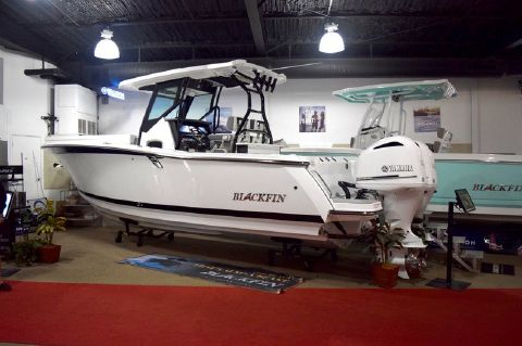 2019 BLACKFIN 272CC Center Console