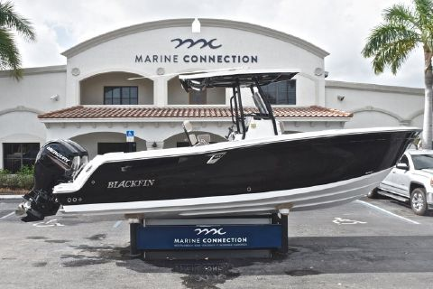 2019 BLACKFIN 242CC Center Console