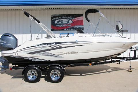 2017 STINGRAY 192SC Deck Boat