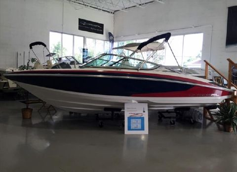2016 REGAL Bowrider 2100