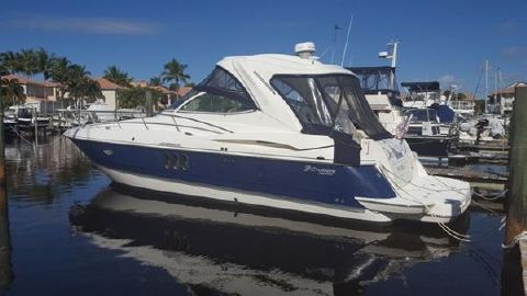2006 Cruisers Yachts 420 Express IPS Diesel Sea La Vie