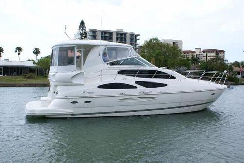 2005 Cruisers Yachts 455 Motor Yacht Profile