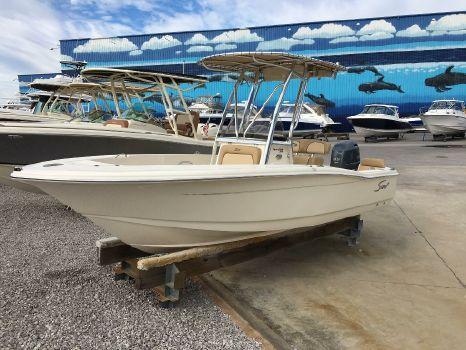 2017 Scout Boat Company 195 SF