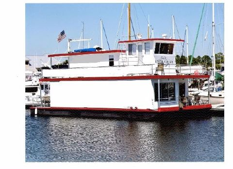 2010 Custom Houseboat Marquette Model