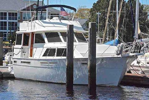 1982 Uniflite 460 Motor Yacht