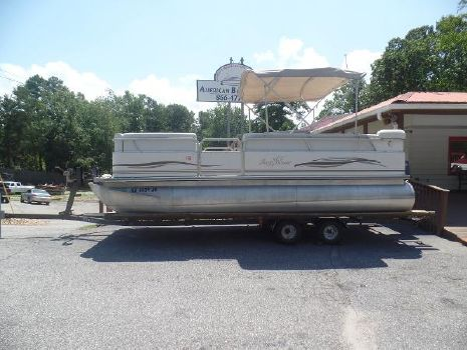 2005 Smoker-craft Sunchaser 820