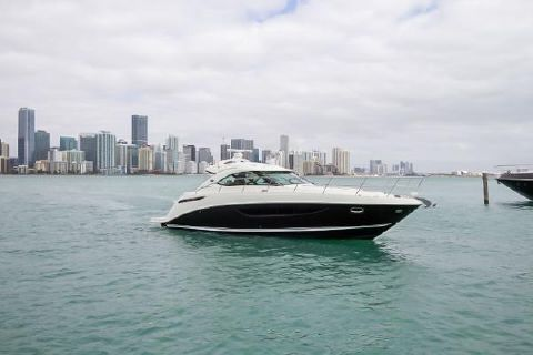 2015 SEA RAY Sundancer