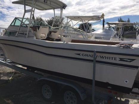 1988 Grady-White 24 Offshore 2006 engine
