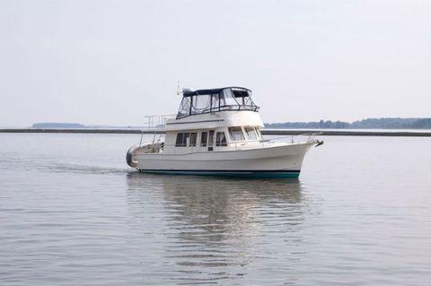 2008 Mainship 40 Trawler Starboard Side