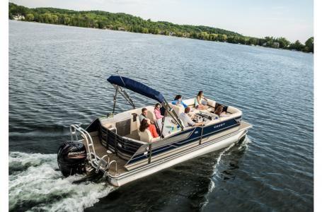 2016 Crest Pontoon Boats Classic 250 Chateau