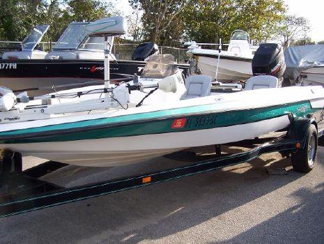 1996 Astro Bassboat