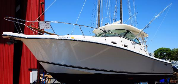 2010 Pursuit 375 Offshore port profile
