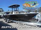 2018 SPORTSMAN Masters 227 Bay Boat
