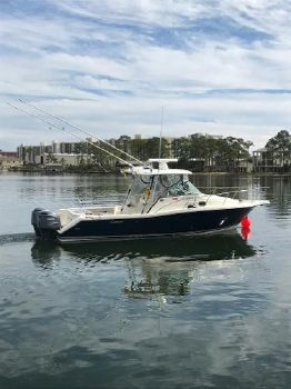2005 PURSUIT 3070