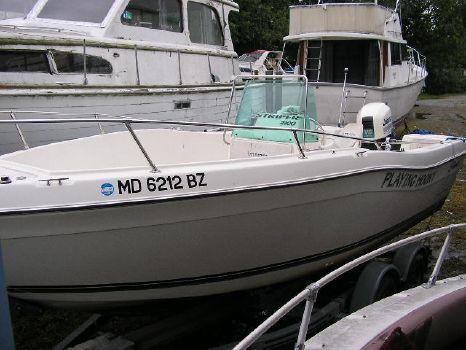 1998 Seaswirl 2100 CC