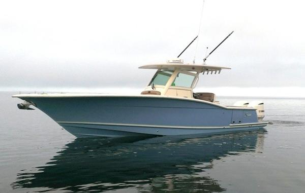 2013 Scout Boats 320 LXF
