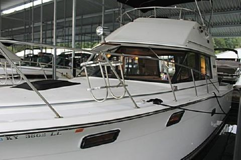 1985 Carver 32 Convertible
