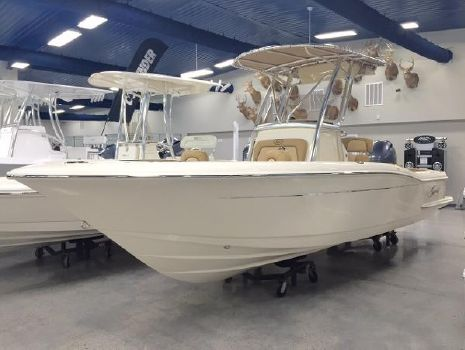 2015 Scout Boats 225 XSF