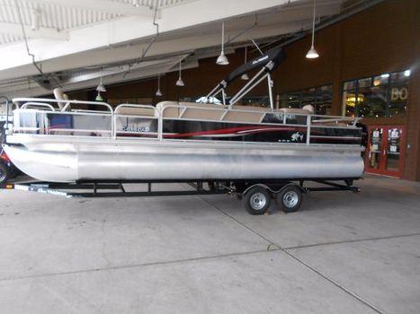 2014 SUNTRACKER Fishing Barge 24